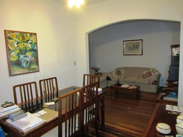 Excelente casa. 03 pavimentos, com habite-se e ótima localização. - Foto 6