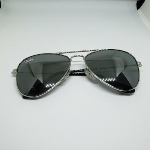 3696dcbad510a Óculos Ray-Ban Rayban aviador espelhado infantil com pequenos arranhões  Original em JP