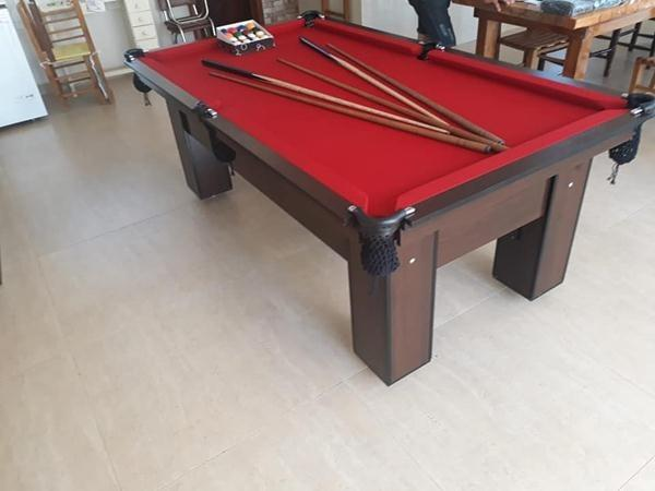 Mesa de Sinuca Quatro Pés e Redes Cor Vermelha e Preta Tx Modelo QFR3001