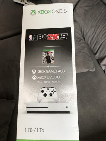 Vídeo Game Xbox One S 1TB - Foto 2