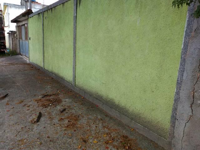 Casa com terreno murado e galpão - Foto 2