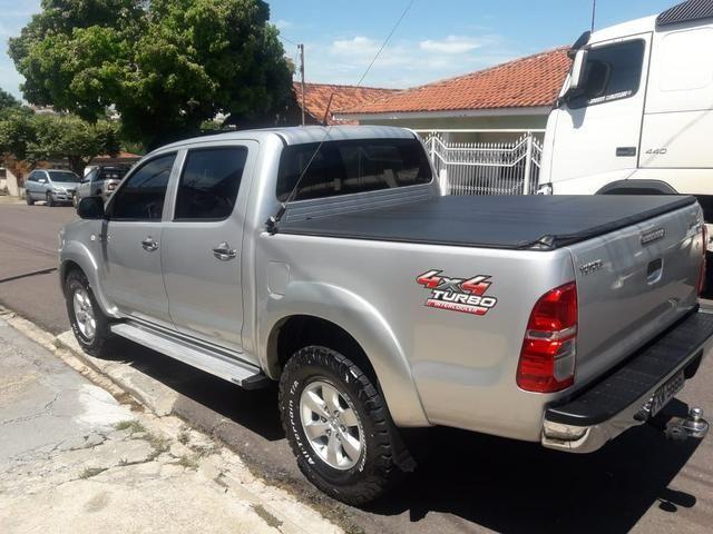 Toyota Hilux Automática 4x4 - Foto 2