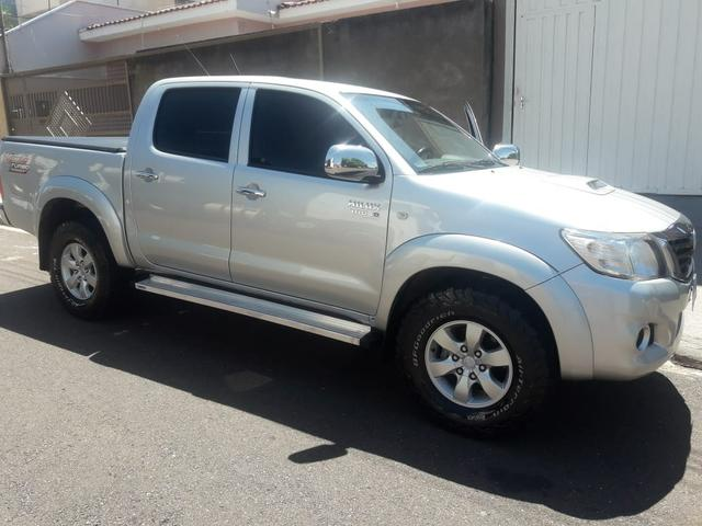 Toyota Hilux Automática 4x4 - Foto 3