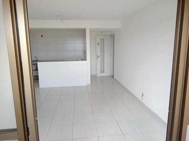 Condomínio Brisas,na paralela ,3/4,suite,armários,condomínio clube - Foto 2