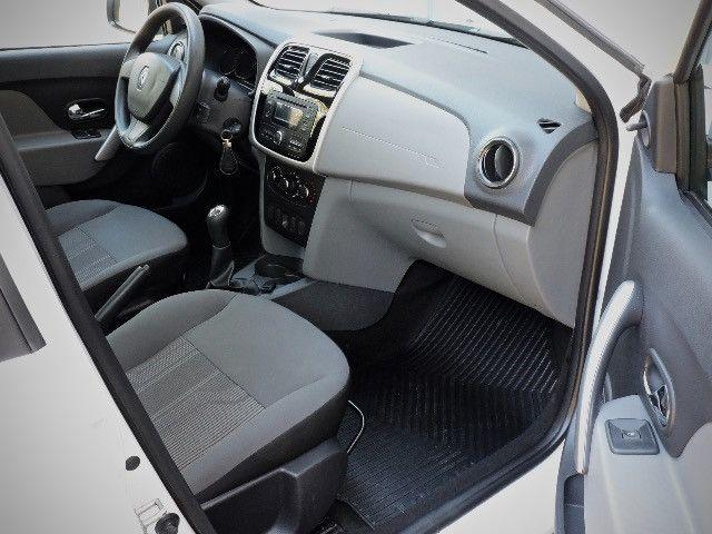 Renault Logan Expression Hi-flex 1.6 2016 - Estado de novo - Foto 6