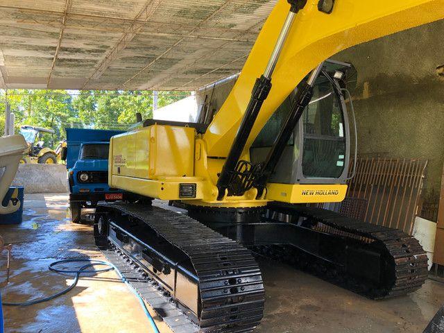 Escavadeira hidráulica FX215Lc