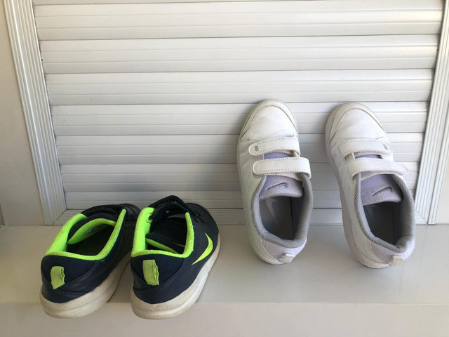 Dois tênis Nike infantil tamanho 30 - Foto 3