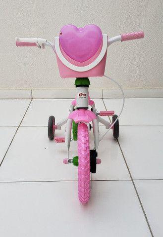 Bicicleta aro 12 Nova prá menina a partir de 2 anos. - Foto 2