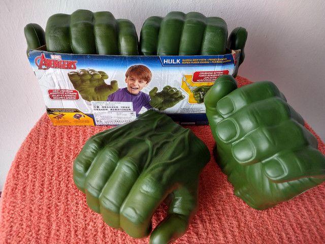 Luvas do Hulk Hasbro original - Foto 3