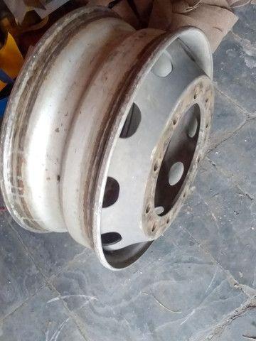 Rodas para caminhões 275/295 a disco e raiadas - Foto 2