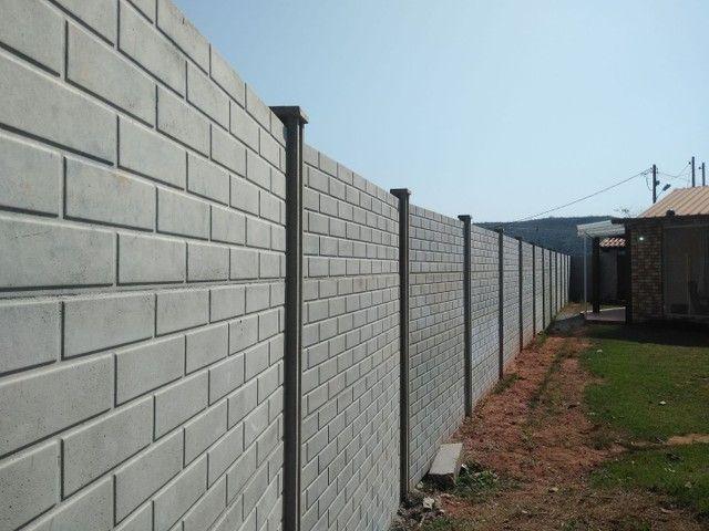 Muros e casas pré modados