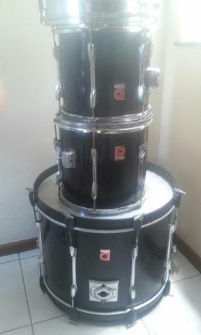 Bumbo e tambores premier inglesa
