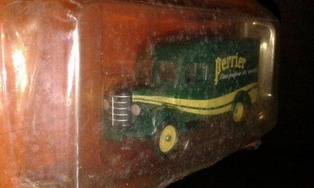 Caminhões Históricos - Perrier