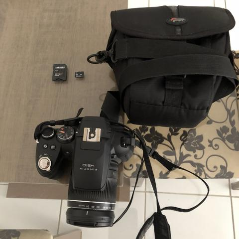 Câmera Semiprofissional Fujifilm Finepix HS10