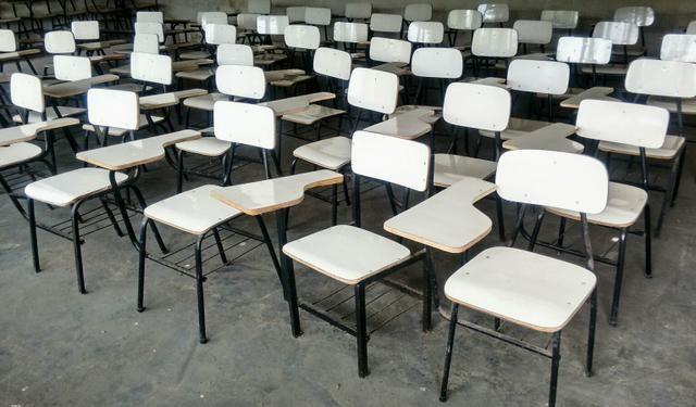 Carteiras Escolares (usadas)