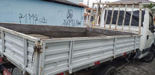 Carroceria de ferro para iveco R$ 2 mil - Foto 3