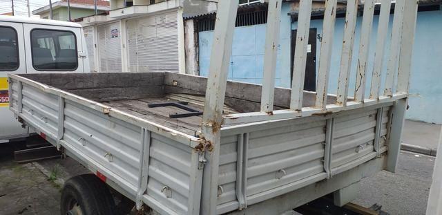Carroceria de ferro para iveco R$ 2 mil - Foto 2