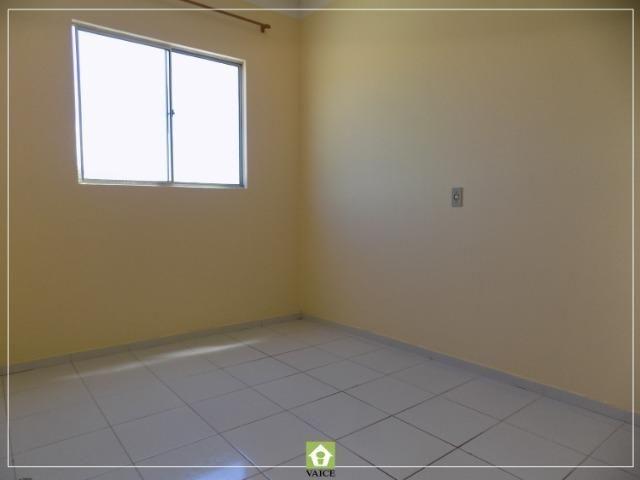 Apartamento em Messejana, 3 Quartos - Foto 11