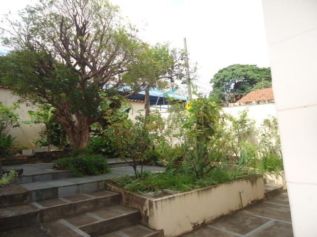 Casa bem conservada em ótima localização, próximo a Rua Padre Eustáquio! - Foto 20