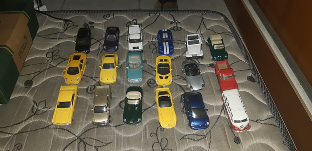 Miniaturas da coleção completa de carros do extra !