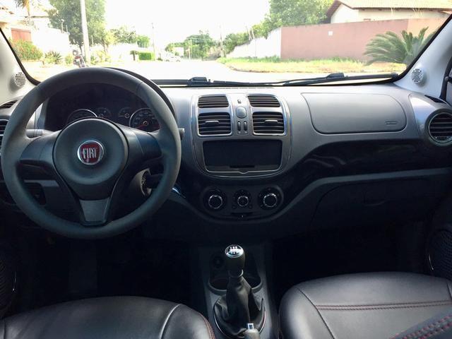 Fiat Grand Siena 1.6 Essence 14/15 Manual - Foto 8