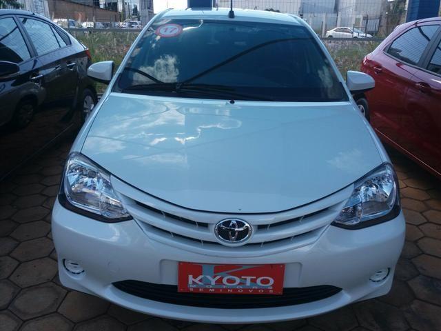 Etios sedan XS automático 16/17