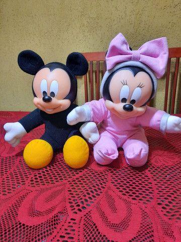 Bonecos Mickey e Minnie