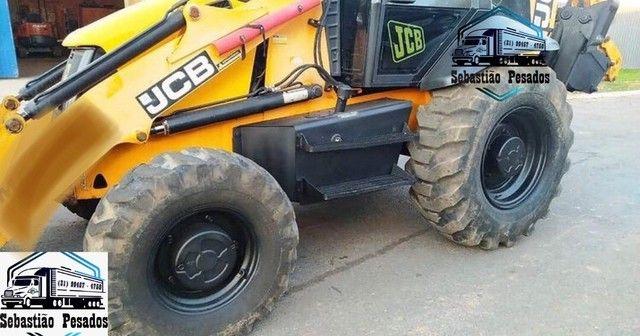 Retro Escavadeira JBC 3CX 4x4 2013  - Foto 2