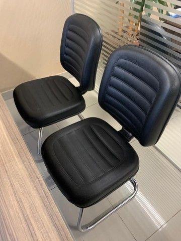 Mesa para escritório em L,  e 3 Cadeiras - Foto 3