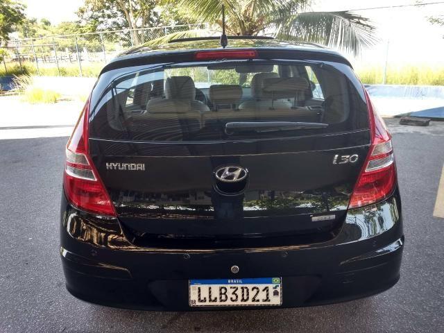 Hyundai i30 2010 automático top com teto - Foto 5
