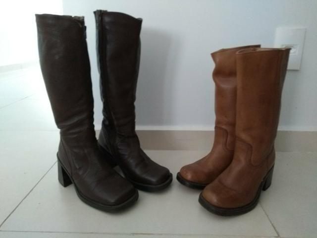 Duas botas n° 36 por 100 reais
