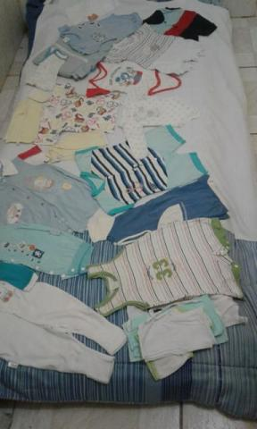 Lotes roupas infântil menino 0 á 1 ano R:40,00 cada lote