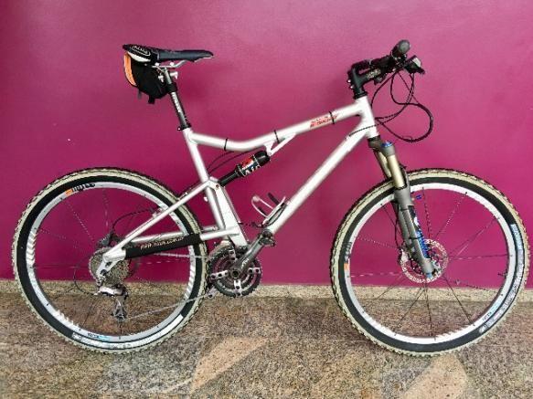 Bicicleta Santa Cruz Superlight XTR