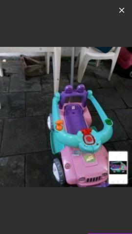 Carro Mini Jeep Infantil Banjipe Passeio e Andador
