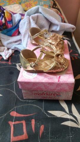 Vendo sandália Molequinha