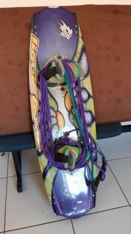 Prancha Wakeboard Liquid Force Trip 38 + botas + quilhas + Corda aquatica