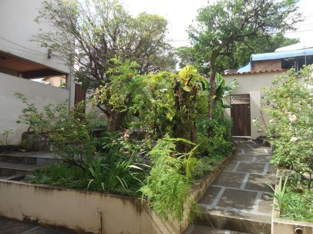 Casa bem conservada em ótima localização, próximo a Rua Padre Eustáquio! - Foto 13