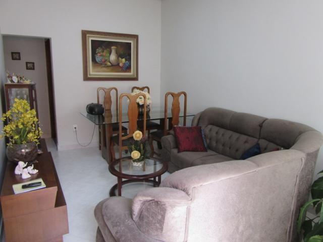 Rm imóveis vende excelente casa no caiçara, todo reformado ao lado de todos os tipos de co