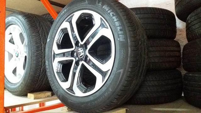 Rodas Honda Hr-v 215/55 R17 com pneu - Foto 5