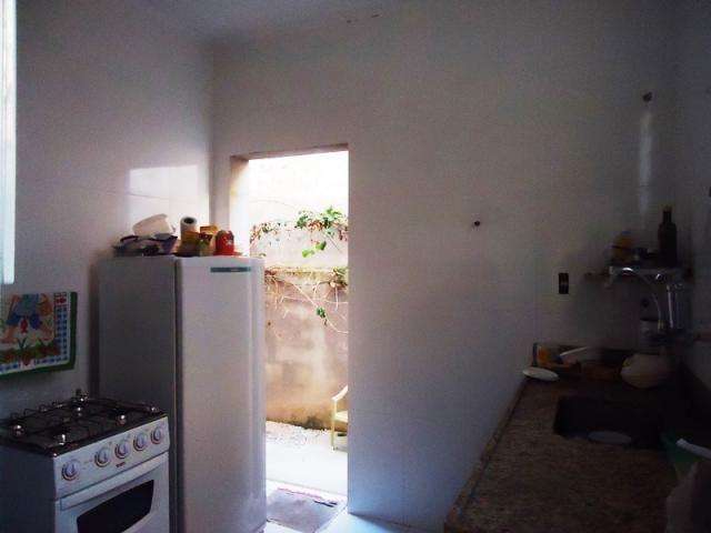 Excelente casa geminada em rua plana, local tranquilo, um dos melhores pontos do bairro, p - Foto 3