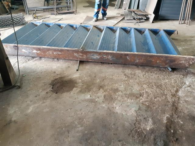 Escada metálica usada - Foto 2