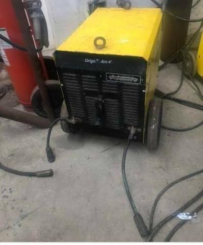 Máquinas de solda semi novas.400 Ampers - Foto 3