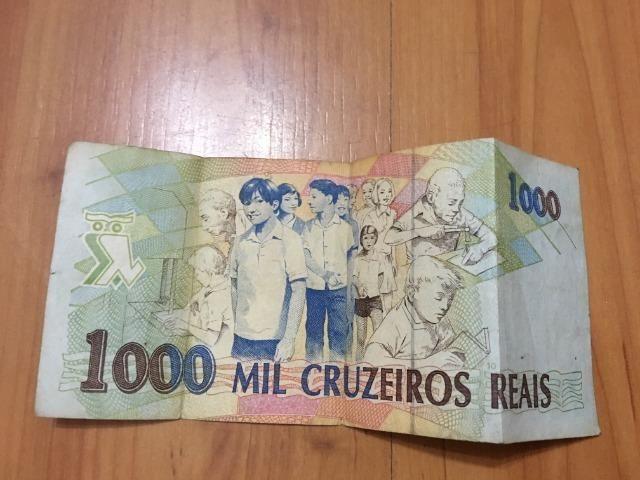 Nota / Cédula de 1000 Cruzeiros Reais de 1993 Flor de Estampa dinheiro bem conservado - Foto 4
