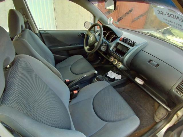 Vendo Honda Fit, preço abaixo da fip - Foto 4