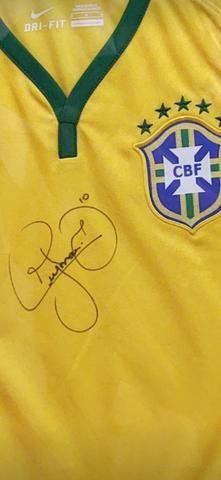 Camisa Brasil Autografada Neymar / Enquadrada - Foto 3