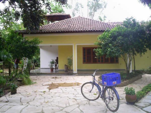 130 mil - Casa a venda com quintal enorme - Castelo/ES