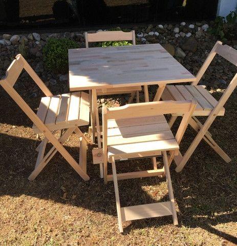 Conjunto Dobrável - mesa e cadeiras - sem pintura