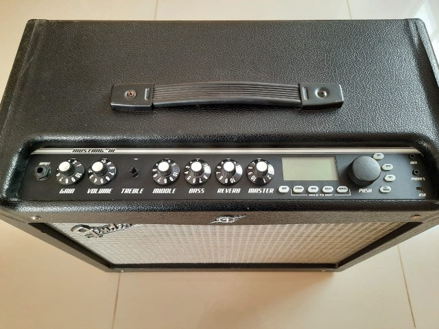 Amp de Guitarra Fender Mustang III V.2 - Foto 2