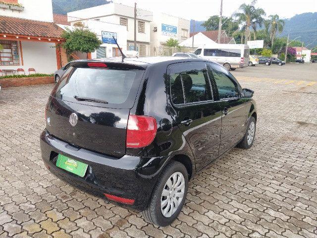 Volkswagen Fox 1.0 VHT (Flex) 4p 2012 - Foto 7