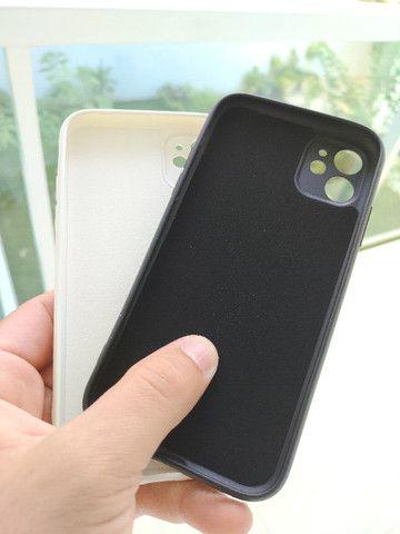 Capinhas + película Iphone 11 e 11 pro max Originais - Foto 3